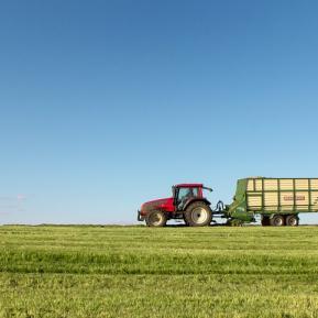 tractor-1549621_960_720.jpg